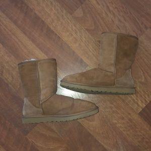 UGG Classic Short Chestnut Boots